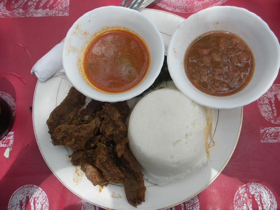 Ugali_with_beef_and_sauce